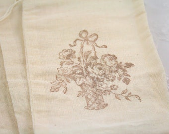Roses Muslin Favor Bags / Drawstring Gift Bags SET OF 10