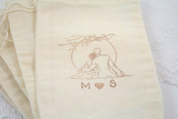 Personalized Muslin Favor Bags / Drawstring Gift Bags - Romantic Couple - Wedding / Birthday / Baby Shower 4x6 OR 5x7