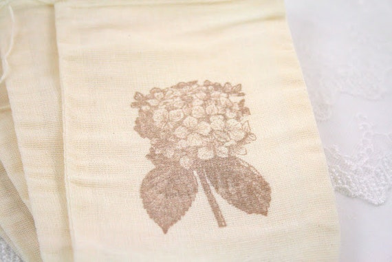Muslin Favor Bags / Drawstring Gift Bags - Stamped Vintage Flowers- Wedding / Birthday / Baby Shower 4x6 OR 5x7