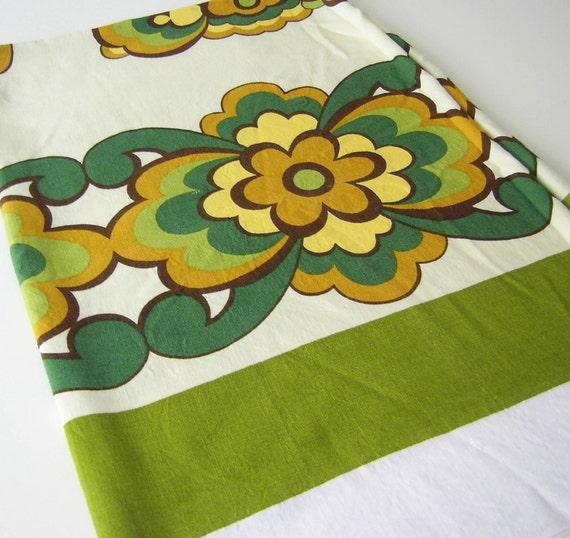 Retro 1970s Flower Tablecloth