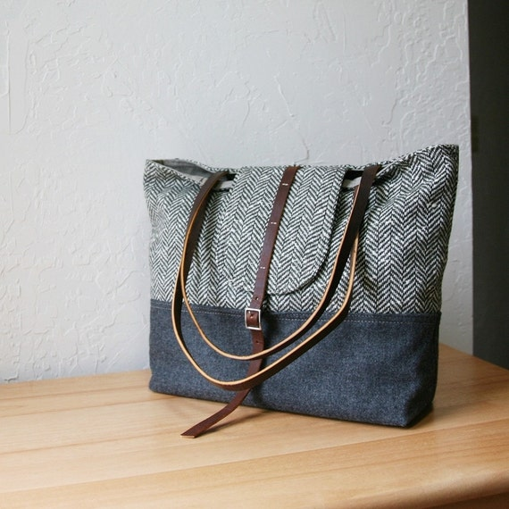 2-Tone Tote in Vintage Herringbone Wool