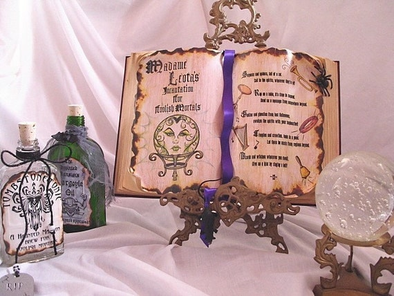 Haunted house Mansion WALLPAPER Madame SEANCE Incantation altered SPELL BOOK PROP