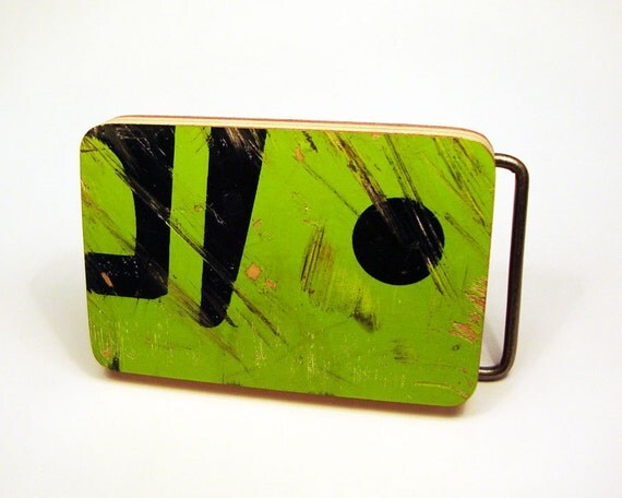 Recycled skateboard belt buckle in FREE gift box item ET20