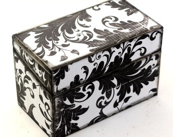 Shabby Chic Recipe Box Wood Black and White Fits 4x6 Cards