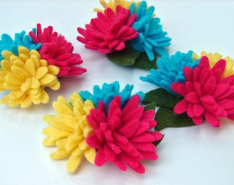 Wool Felt Dimensionsl Flowers Mini Daisies Tropical Trio in a Set of 4 with Leaves