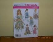 Simplicity 4987 six differEnt apron pattern  UNCUT  PIF