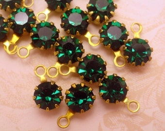 Vintage Swarovski Emerald Green Drops/Charms-8