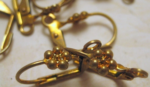 DAISY Antique Brass Earwires - 20
