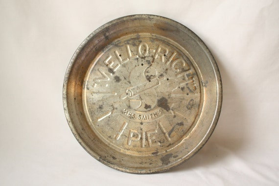 Mrs. Smith's Pie Plate - MELLO-RICH - 9 in. - Advertising - Metal - Apple Pie - Perforated - Baking