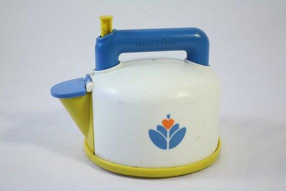 1987 fisher price whistling tea kettle tea pot kitchen. Black Bedroom Furniture Sets. Home Design Ideas