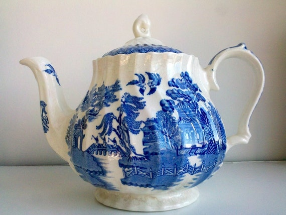 Blue and White Teapot - Churchill England - Blue Willow