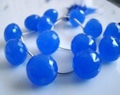 1/2 STRAND----Vivid Cobalt Blue Chalcedony Faceted Onion Briolettes