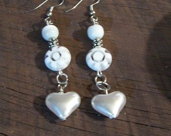 White Daisy and Heart Earrings