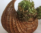 Oval Wicker Basket with Handle