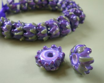 Whirl of Lavender Buds Glass Bead with French Lavender Sachet Buds