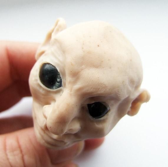 Character full head sculpture - lopsided Al