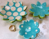 robins egg blue flower dish set for your spring decor