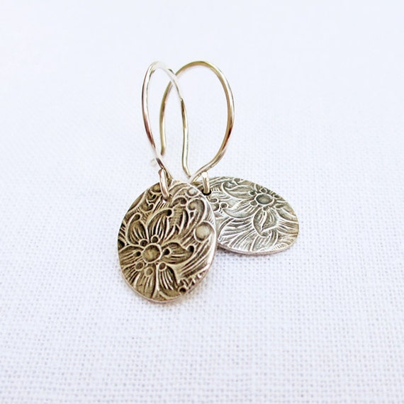 Small Silver Earrings PMC Jewelry Fine Silver Earrings Sterling Silver Earrings Floral Earrings Disc Dangle Metalwork Minimalist Jewelry