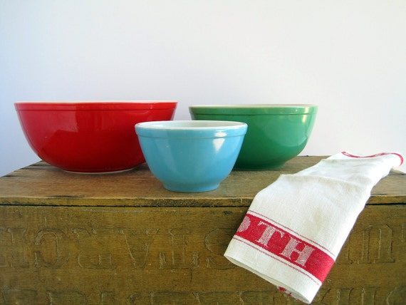 Pyrex Primary Colors Mixing Bowls Green Blue Colorful Kitchen Ovenware
