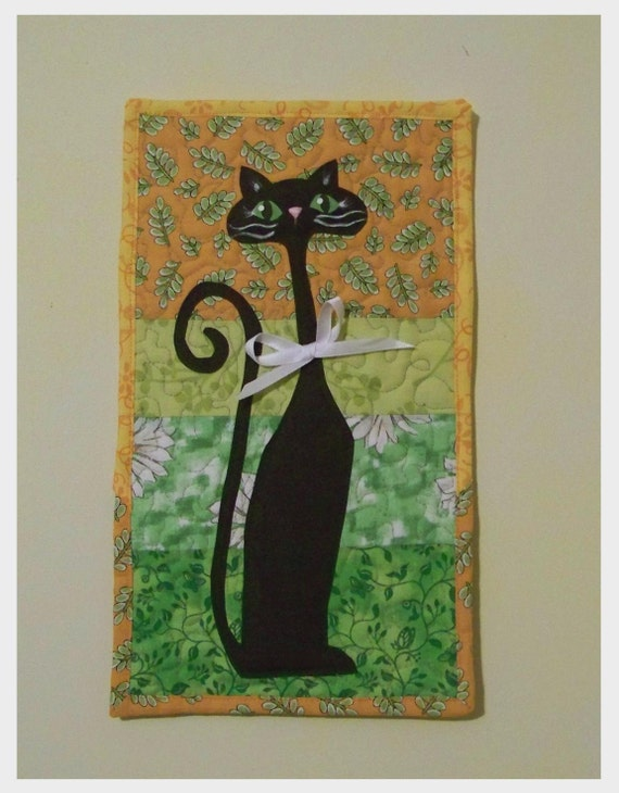 Black Cat Quilted Wall Hanging