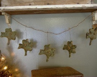 Primitive St. Patrick Shamrock Garland.  Awesome.