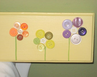 SALE**Button Flower Welcome Sign