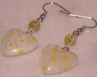 Milifori Earrings, Glass Heart Earring, White Yellow Daisy Flower Earrings, Dangle Earrings, Simple Earrings, Holiday Gift