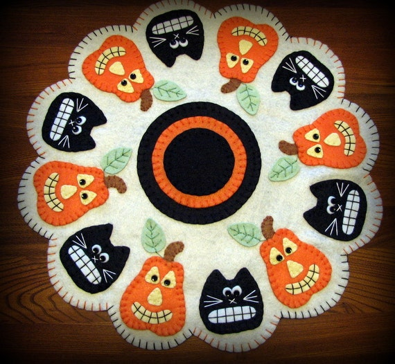 "Primitive Wool-Felt  JACKS and BLACK CATS Halloween Penny Rug - Candlemat...16-1/2""....ofg team"