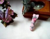 Think Pink Rosebud Lip Balm Holder Key Ring Crochet Thread Art New Handmade