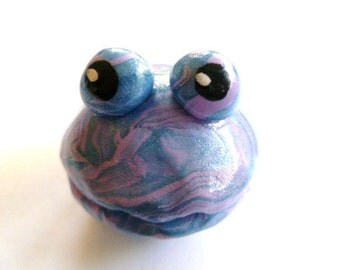 Mini Marble Friends Kooky Clam Lilac and Pearl Blue Swirl