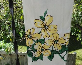 Vintage Linen Tea Towel with Dogwood Blossoms - Unused