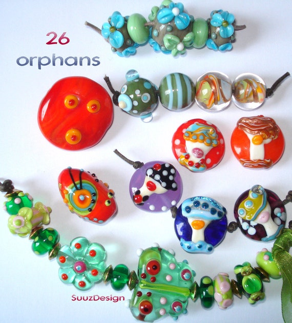 Colorful orphans, lampwork made by SuuzDesign
