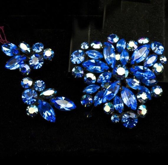 Vintage Regency Blue Rhinestone Brooch and Earrings