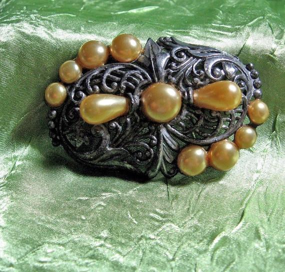 Vintage 1940s Brooch Unusual Pearl and Rhodium