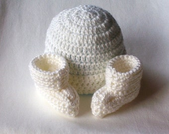 OBE Crocheted Newborn White Beanie Hat and Booties Set