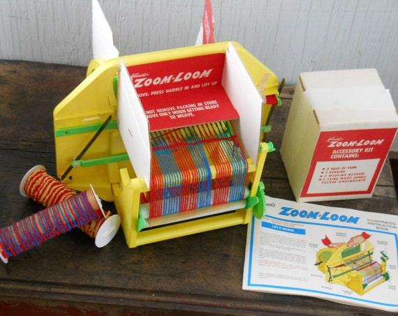 Vintage Kenner Zoom Loom Automatic Weaving Machine