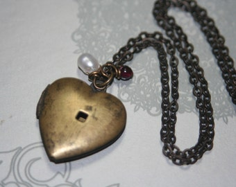 Vintage OPEN MY HEART Locket Necklace - 16 inches