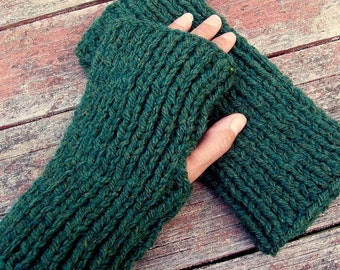 KNITTING PATTERN/DARA Thick Chunky Fingerless Gloves for Men and Women Easy/Quick knit Gloves/Simple Glove Pattern/Mens Glove Pattern/Chunky