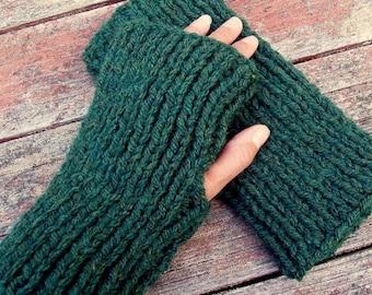 KNITTING PATTERN/ DARA/ Chunky Ribbed Fingerless Gloves for Men/Women Easy/Quick Knit Gift/ Mans Gloves/Teens Glove/Simple Glove