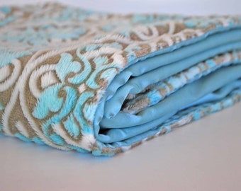 CLEARANCE SALE!!! / Mini baby blanket Embossed powder blue and with satin / Comforting fabrics for baby
