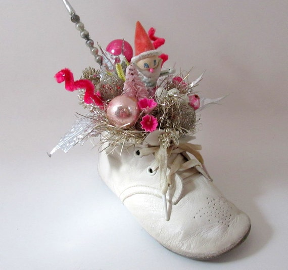 Shabby chic style christmas decoration baby shoe silver pink - Shabby chic christmas decorations to make ...