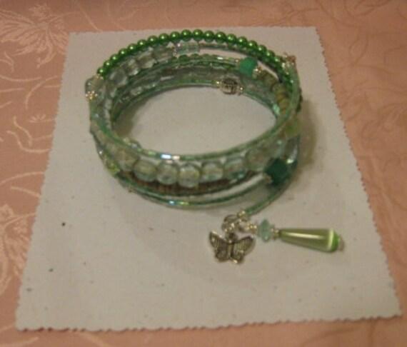 Mint, Apple Green, Vintage Beaded Memory Wire Bracelet