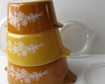Vintage Pyrex Butterfly Gold Six Piece Set Retro Bakeware