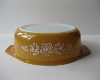 Vintage Pyrex Butterfly Gold One & a Half Qt Oval Baking Dish Retro