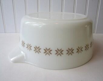 Vintage Pyrex Town & Country Baking Dish 2 1/2 Qt
