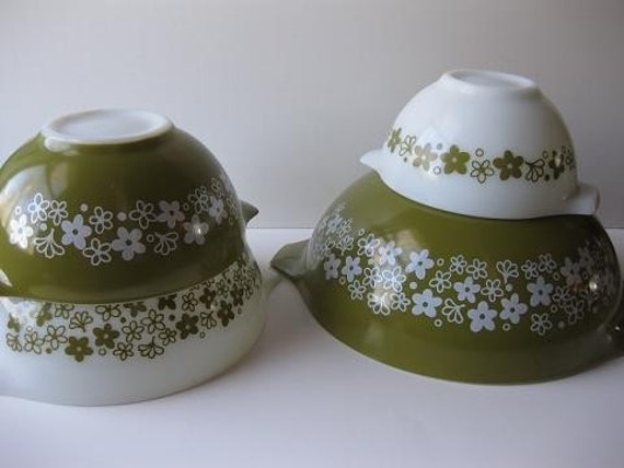 Vintage Pyrex Spring Blossom Cinderella Mixing Bowls Set of Four