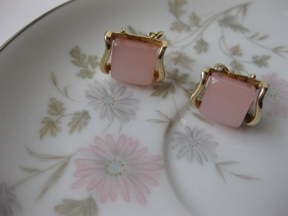 Vintage Signed Coro Pink & Goldtone Clip Earrings