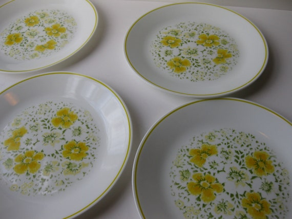 Vintage Corelle April Green and Yellow Floral Dinner Plates Set of Four