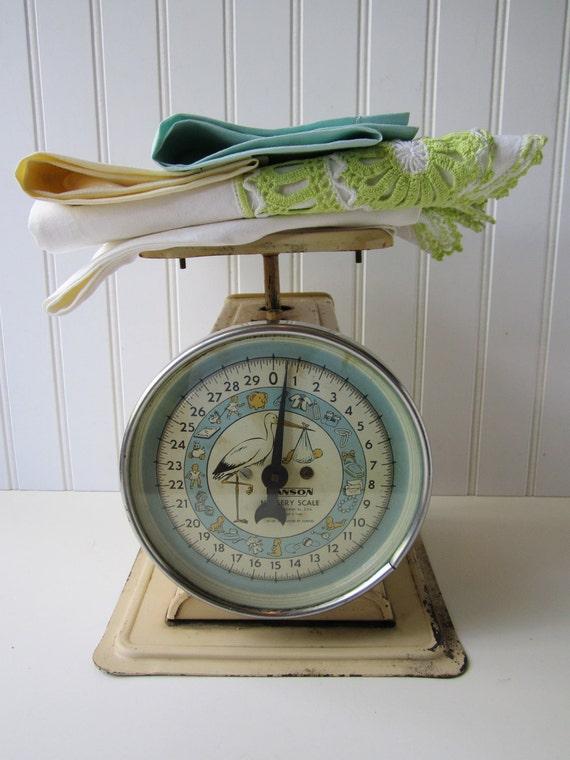Vintage Shabby Cute Hanson Nursery Scale
