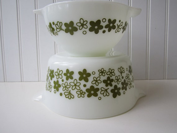 Vintage Pyrex Spring Blossom  Baking Dish and Cinderella Bowl